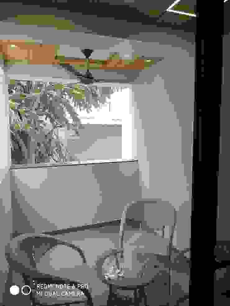 Shagun Jyoti 'A' DESIGN ASSOCIATES Balcony