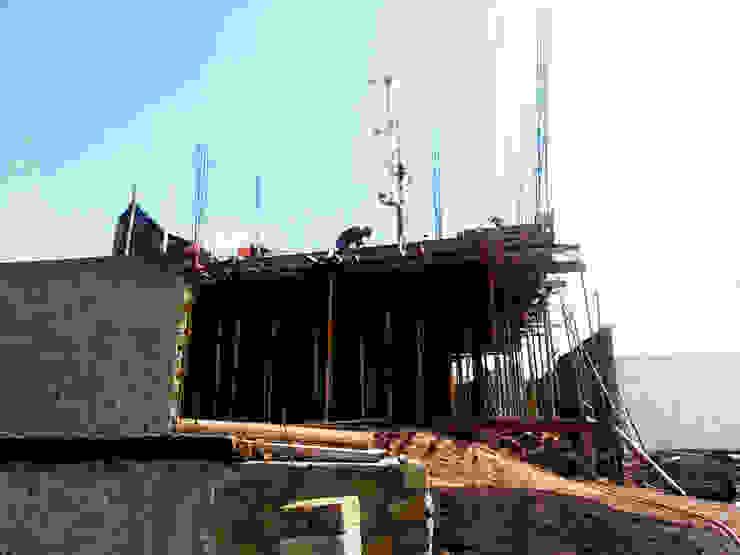 DOS Arquitectura y construcción Roof
