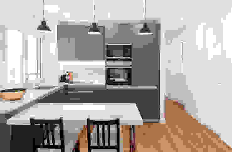 WINK GROUP Modern style kitchen White