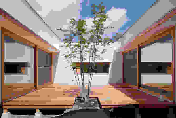中庭 松原建築計画 一級建築士事務所 / Matsubara Architect Design Office 北欧風 庭 木 木目調