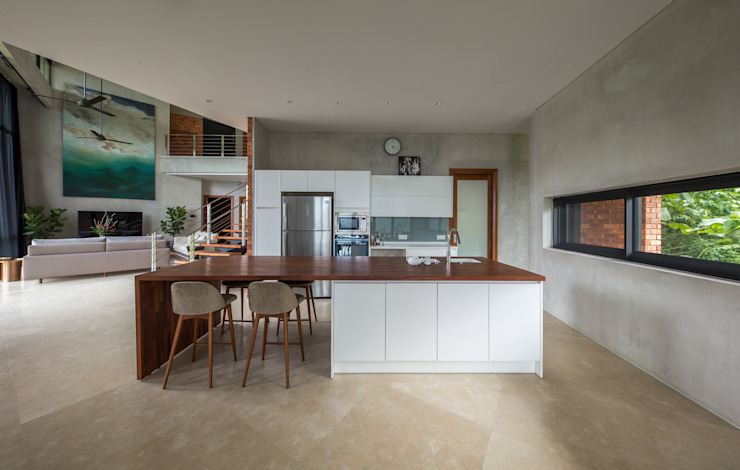 Dry Kitchen by MJ Kanny Architect Tropical