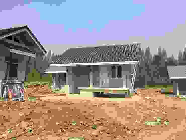 บ้านขนาดเล็ก โดย THANA 9 CONSTRUCTION CO.,LTD ชนบทฝรั่ง