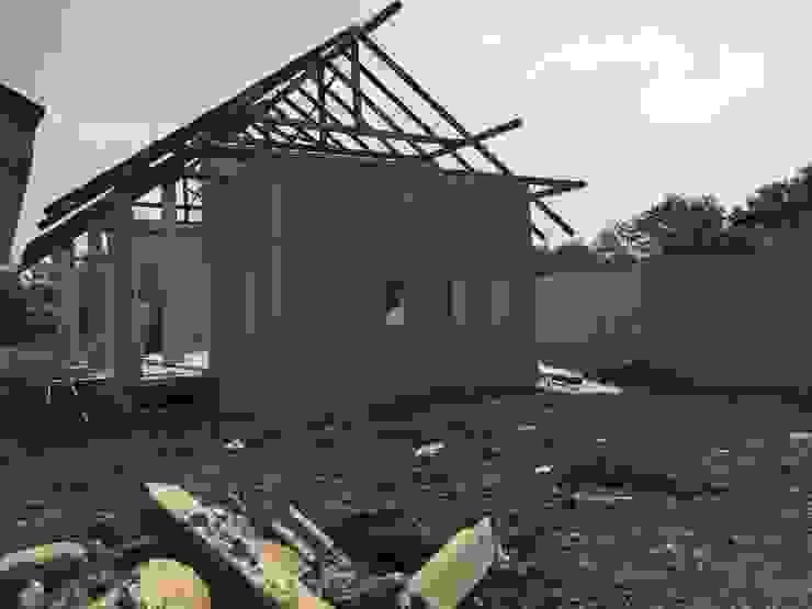 บ้านขนาดเล็ก โดย THANA 9 CONSTRUCTION CO.,LTD ชนบทฝรั่ง เหล็ก