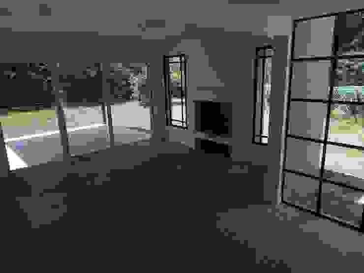 Estudio Dillon Terzaghi Arquitectura - Pilar Salas de estilo moderno