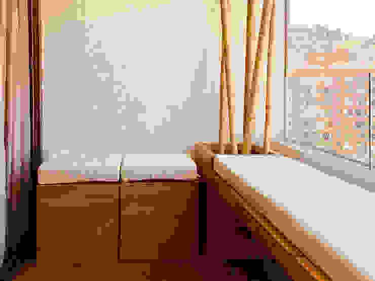 balConcept SpA Balkon, Beranda & Teras Gaya Rustic