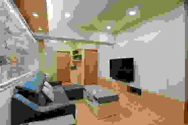 展示與收納機能兼具的北歐小宅 根據 青築制作 北歐風
