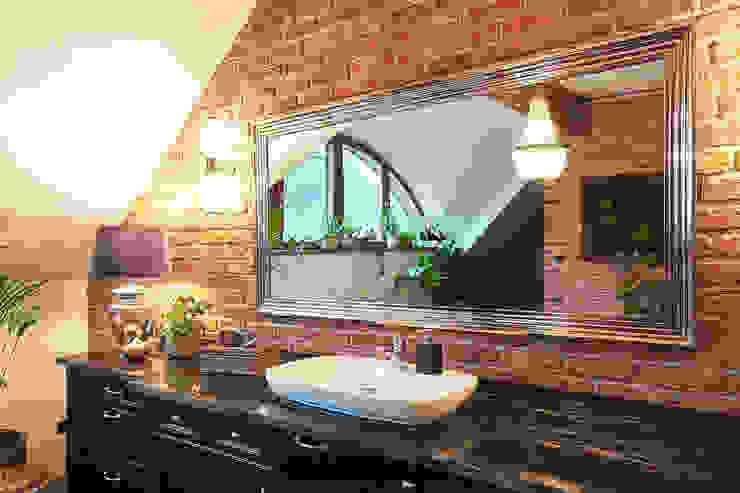 GRANMAR Borowa Góra - granit, marmur, konglomerat kwarcowy BathroomShelves Granite Black
