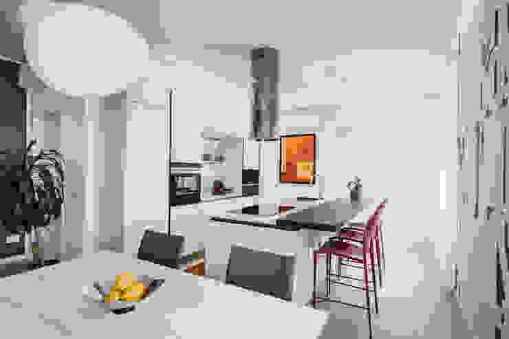 Annalisa Carli Built-in kitchens Glass Beige