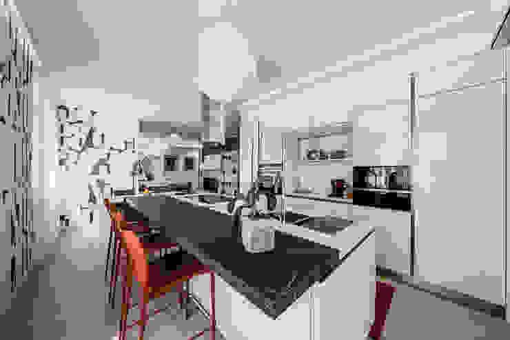 Annalisa Carli Built-in kitchens Glass White