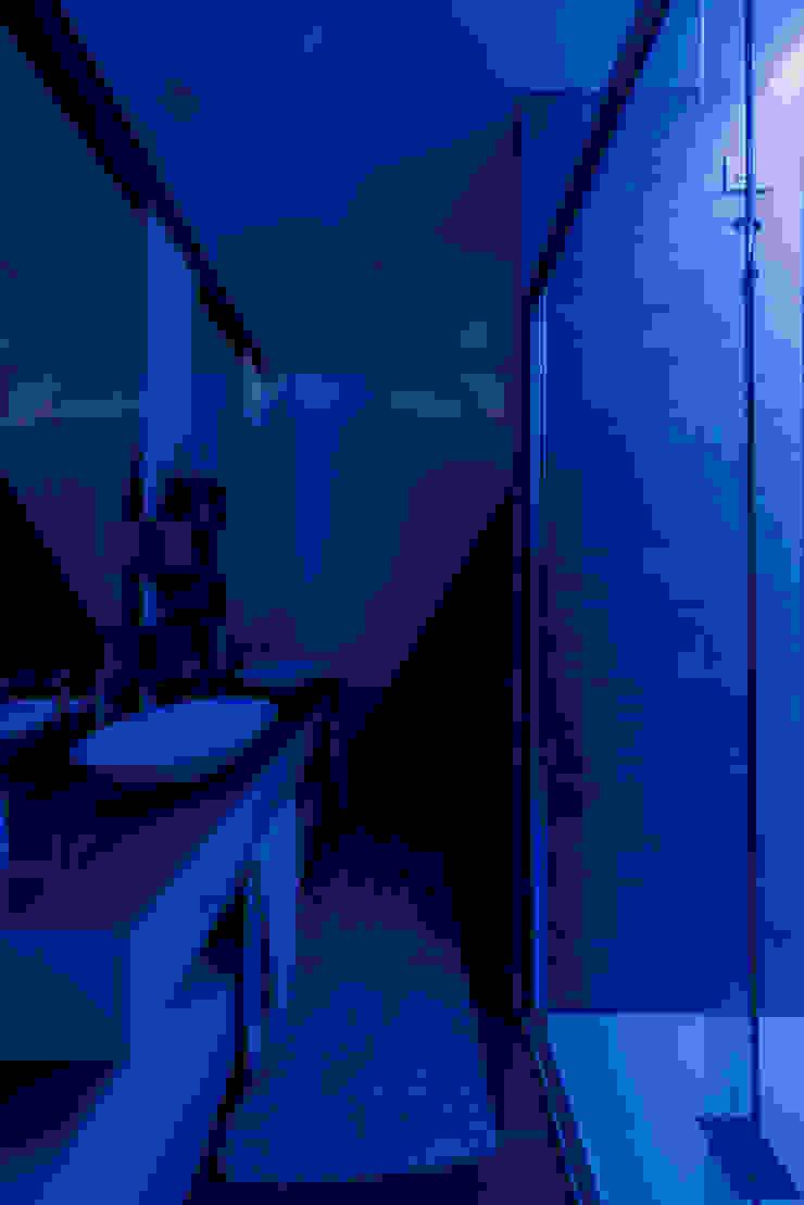 Annalisa Carli Modern bathroom Wood White