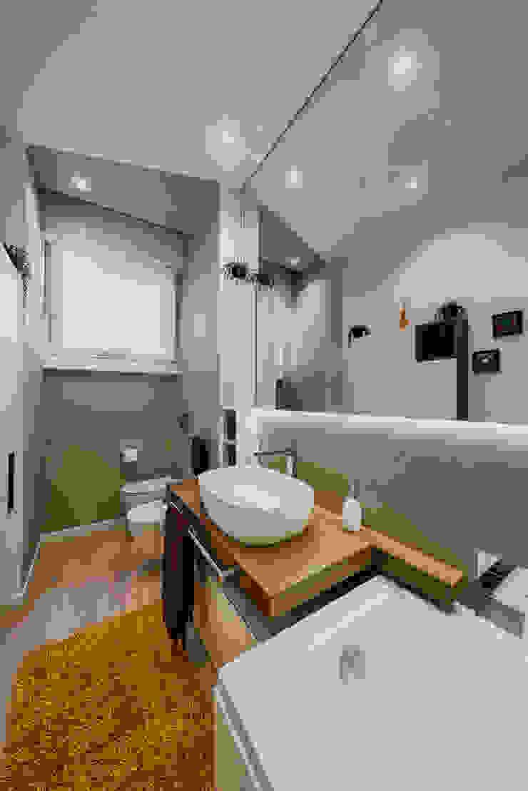 Annalisa Carli Modern bathroom Bricks Beige