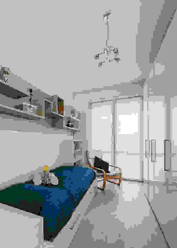 Annalisa Carli Modern style bedroom Wood White