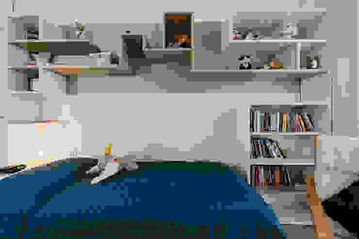 Annalisa Carli Small bedroom Wood White