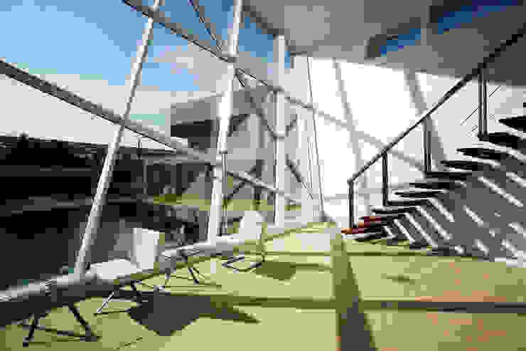 BGI-R&D CENTER โดย VIJIT-PISADA โมเดิร์น กระจกและแก้ว