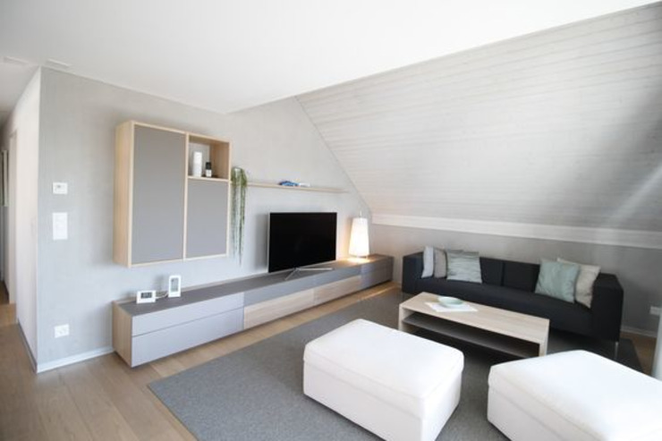 Wohnzimmer: modern  von Türmlihuus Lombriser AG,Modern Glas