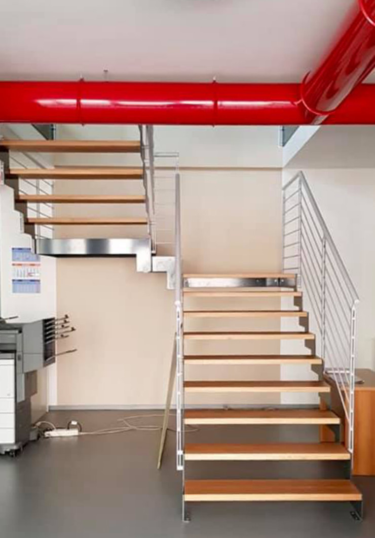 Scala interna legno/metallo di studiolineacurvarchitetti Industrial Legno Effetto legno