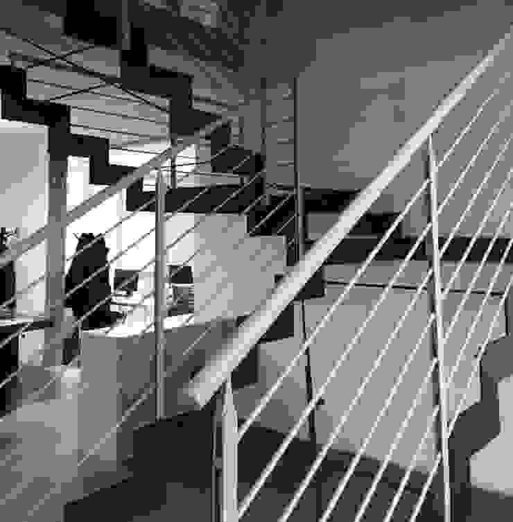 Scala interna di studiolineacurvarchitetti Industrial Ferro / Acciaio