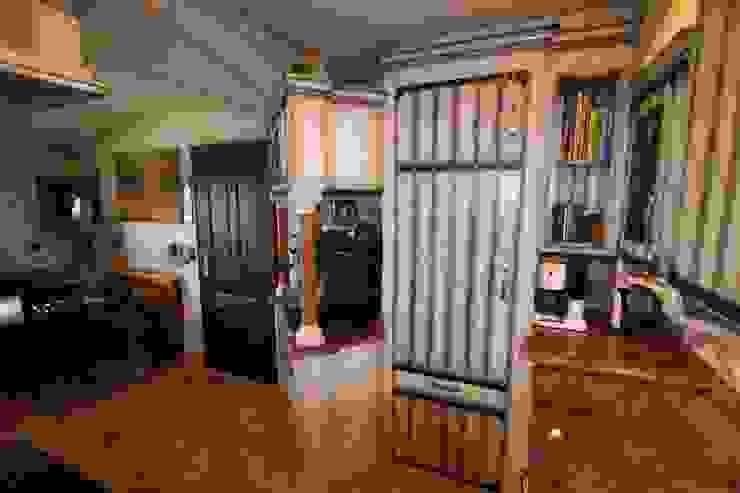 Villa Medici - Landhauskuechen aus Aschheim Built-in kitchens Wood White