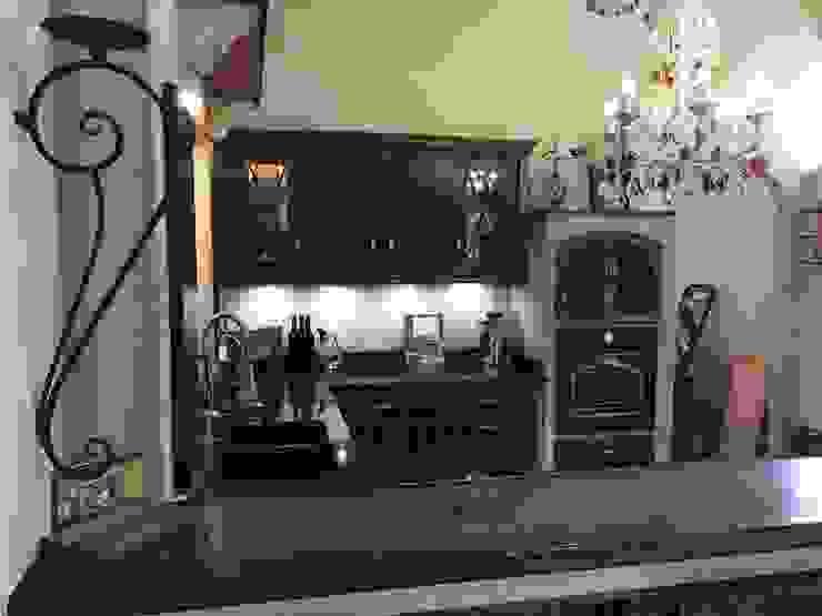 Villa Medici - Landhauskuechen aus Aschheim Built-in kitchens Wood Red