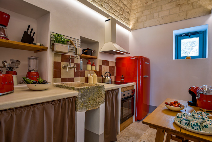 Architetto Floriana Errico Built-in kitchens Red