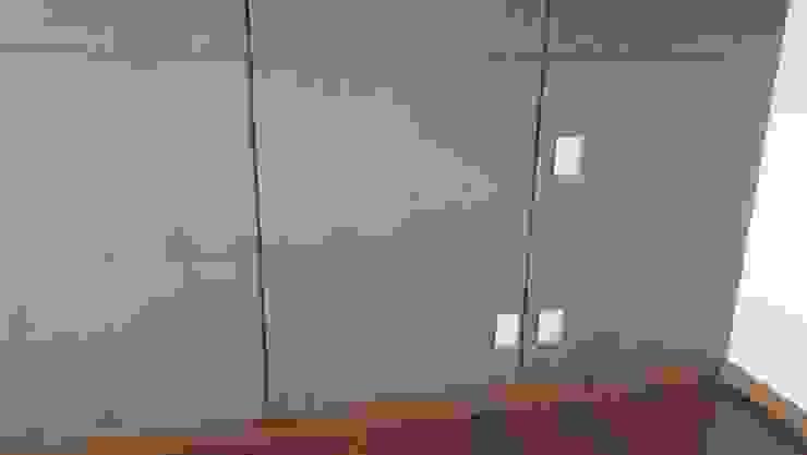 Muro Revestido tipo Gajo de ACY Diseños & Muebles Moderno Textil Ámbar/Dorado