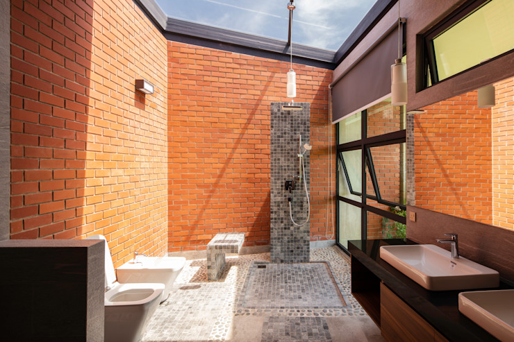 Bathroom MJ Kanny Architect Tropical style bathroom