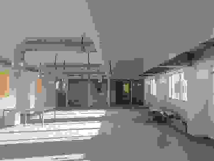 Vista interior de las oficinas en fase de ejecución Estudios y despachos de estilo industrial de OCTANS AECO Industrial