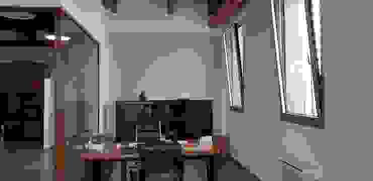 Nuovi uffici di studiolineacurvarchitetti Moderno Ceramica