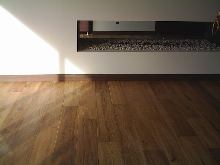 Apartamento en Bogotá de Millenium Brokers Moderno Madera Acabado en madera