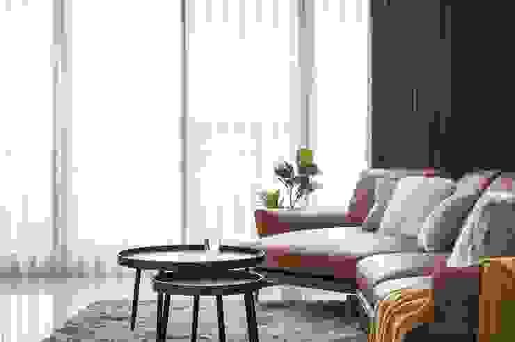 沙發 现代客厅設計點子、靈感 & 圖片 根據 極簡室內設計 Simple Design Studio 現代風