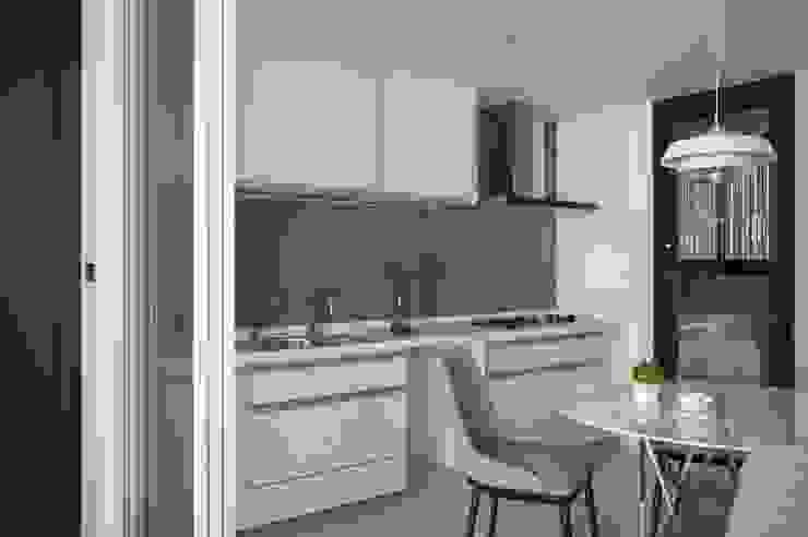 鋁框拉門 現代廚房設計點子、靈感&圖片 根據 極簡室內設計 Simple Design Studio 現代風