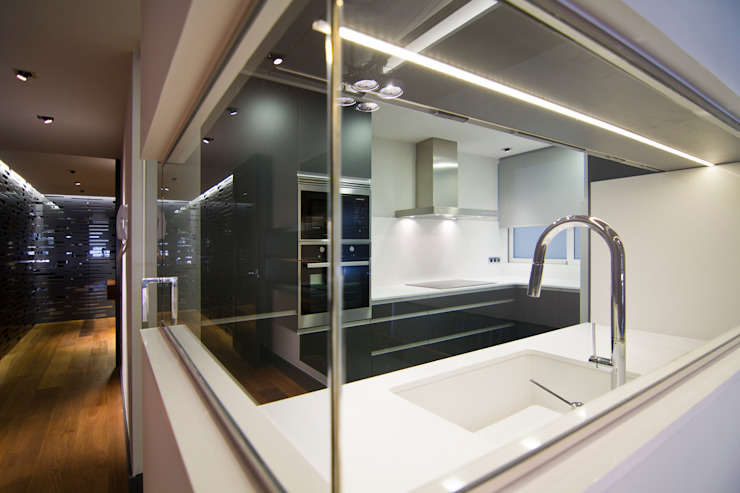 MANUEL TORRES DESIGN KitchenBench tops White