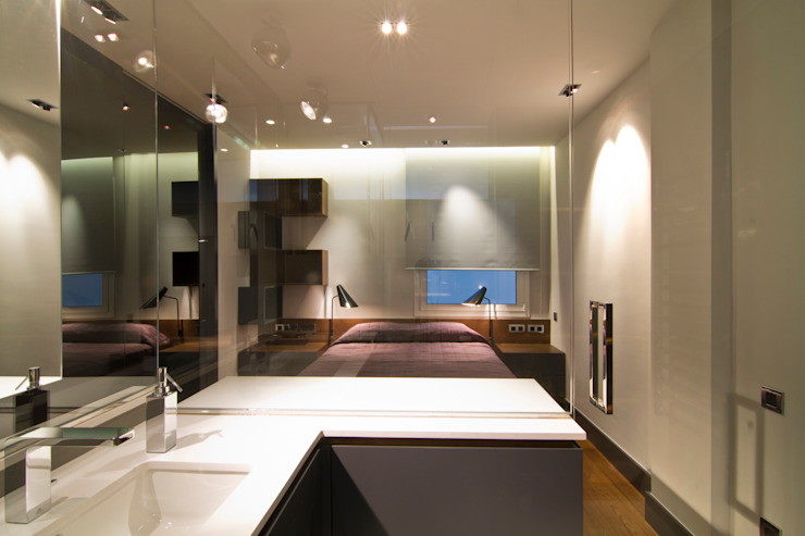 MANUEL TORRES DESIGN BathroomSinks White
