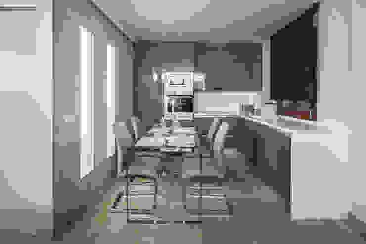 Cocina abierta a salón Antonio Calzado 'NEUTTRO' Diseño Interior Cocinas pequeñas Cerámico Gris