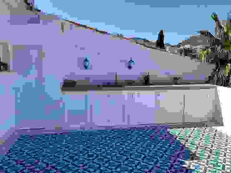 Muebles de cocina de verano de aluminio Deco Bosch Balcones y terrazas mediterráneos Aluminio/Cinc Blanco