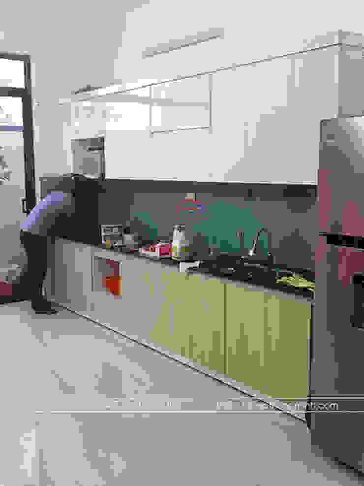 Hình ảnh thực tế bộ tủ bếp laminate nhà anh Linh - Sông Công Nội thất Hpro KitchenCabinets & shelves Gỗ Multicolored