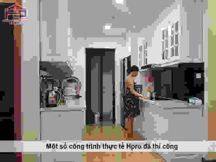 Hình ảnh thực tế tủ bếp gỗ công nghiệp sơn trắng code MF lõi xanh nhà chị Hoa – Kim Giang Nội thất Hpro KitchenCabinets & shelves MDF White