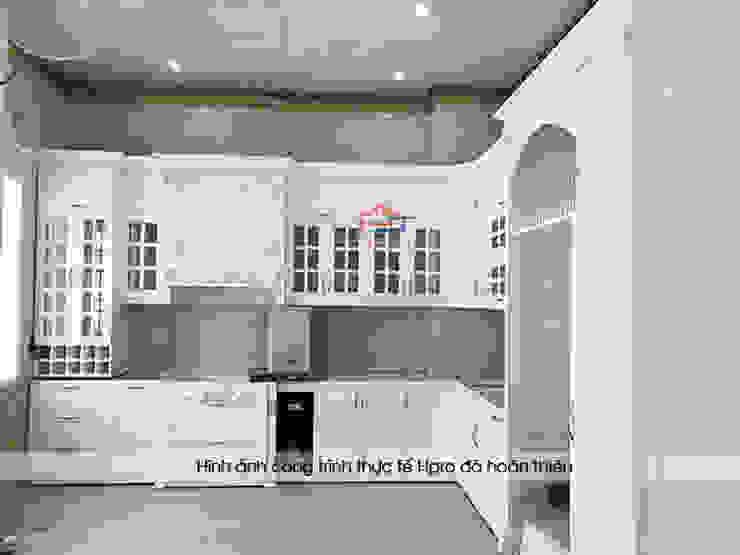 Ảnh thực tế tủ bếp gỗ công nghiệp MDF lõi xanh chống ẩm sơn trắng nhà anh Linh – Sầm Sơn, Thanh Hóa Nội thất Hpro KitchenCabinets & shelves MDF White