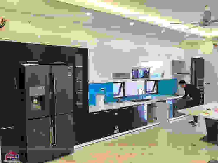 Ảnh thực tế nhà bếp đẹp bằng gỗ acrylic hiện đại, sang trọng và tiện ích Nội thất Hpro KitchenCabinets & shelves Gỗ Multicolored