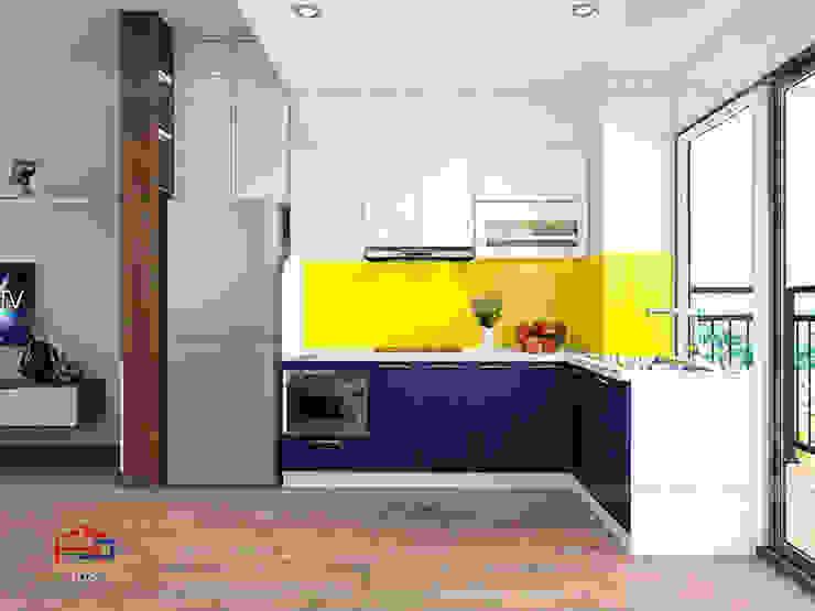 Ảnh thiết kế 3D tủ bếp acrylic chữ L cạnh ban công thoáng mát Nội thất Hpro KitchenCabinets & shelves Gỗ Multicolored