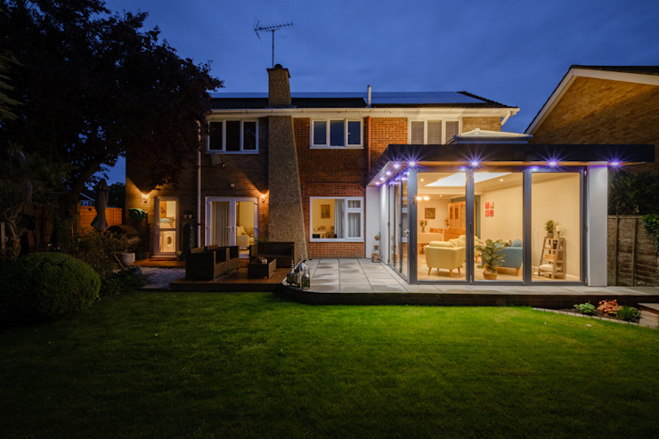 Floating Corner modern home extension in St Albans Cool Buildings Ltd Modern dining room Iron/Steel