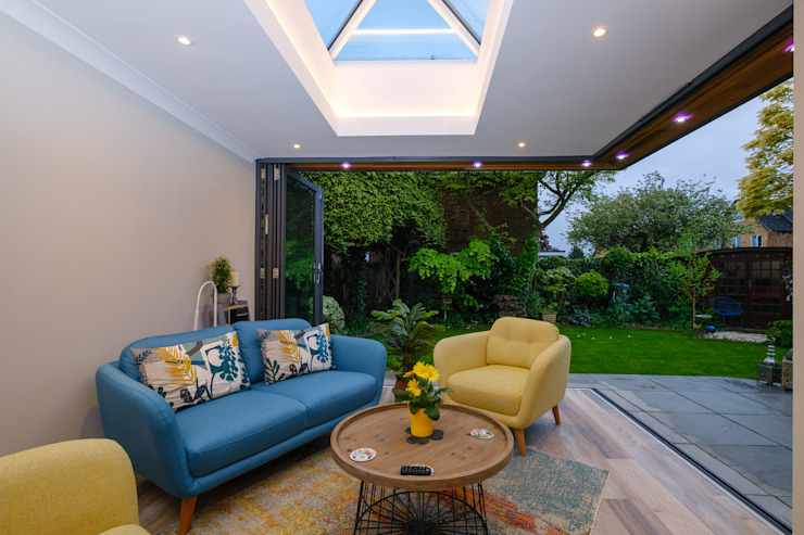 Floating Corner modern home extension in St Albans Cool Buildings Ltd Modern conservatory Glass