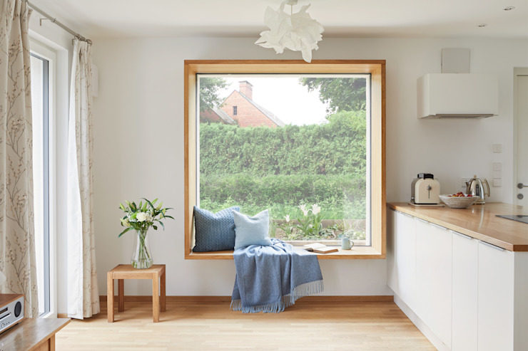 House Fleming: a Very Special Space Baufritz (UK) Ltd. Country style windows & doors
