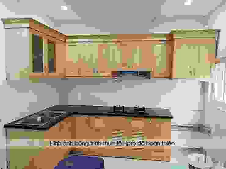 Ảnh thực tế nhà bếp đẹp gỗ sồi nga trẻ trung nhà anh Lý – Đông Ngạc Nội thất Hpro KitchenCabinets & shelves Gỗ Multicolored