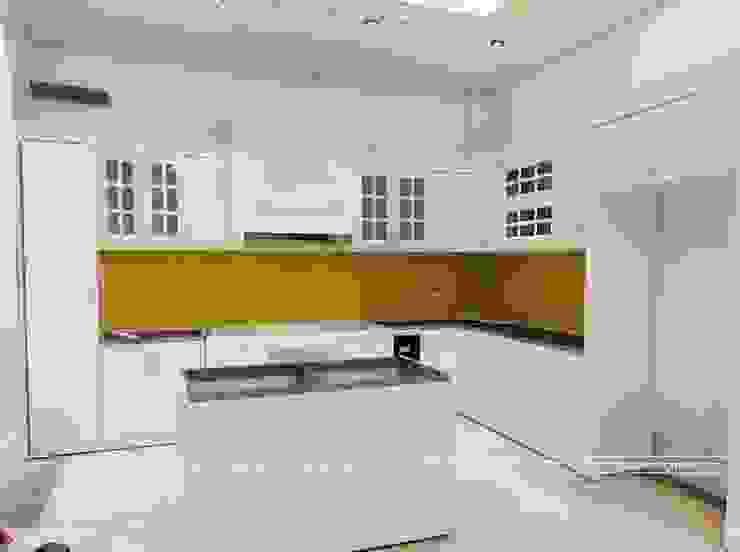 Hình ảnh thự tế bộ tủ bếp tân cổ điển nhà anh Hoàn Nội thất Hpro KitchenCabinets & shelves Gỗ Multicolored