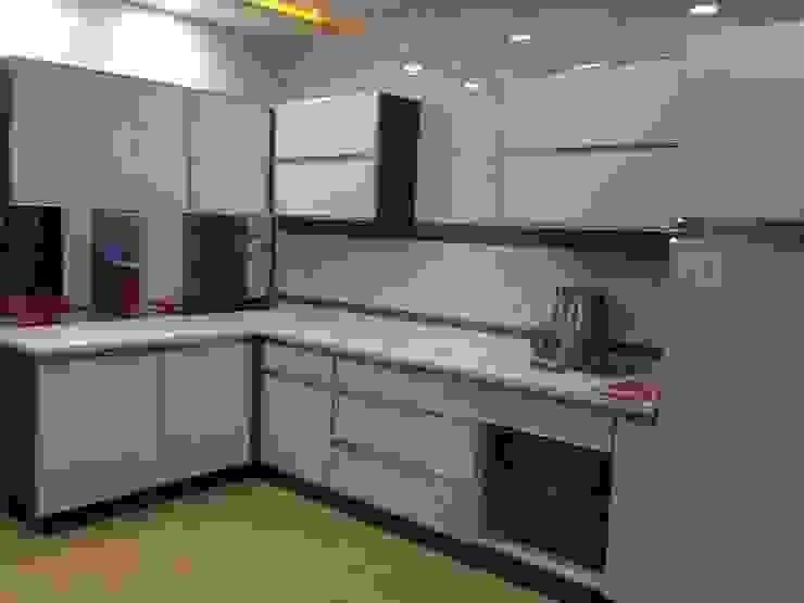 2BHK Apartment interior Modern kitchen by TAPSHAM ARCHITECTS Modern