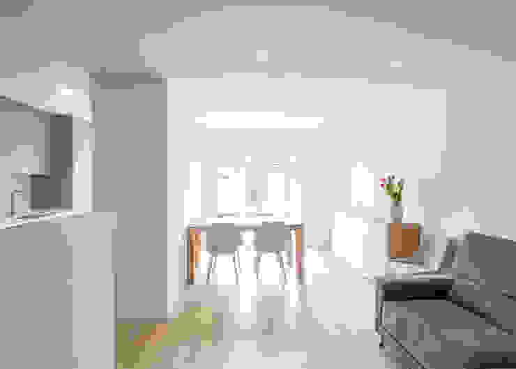 Diseño interior Salones de estilo moderno de Grupo Inventia Moderno Hormigón