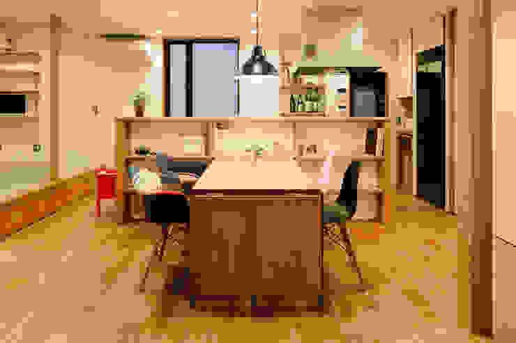 塩浜の家 ダイニングテーブル おかやま設計室 インダストリアルデザインの ダイニング 木 木目調