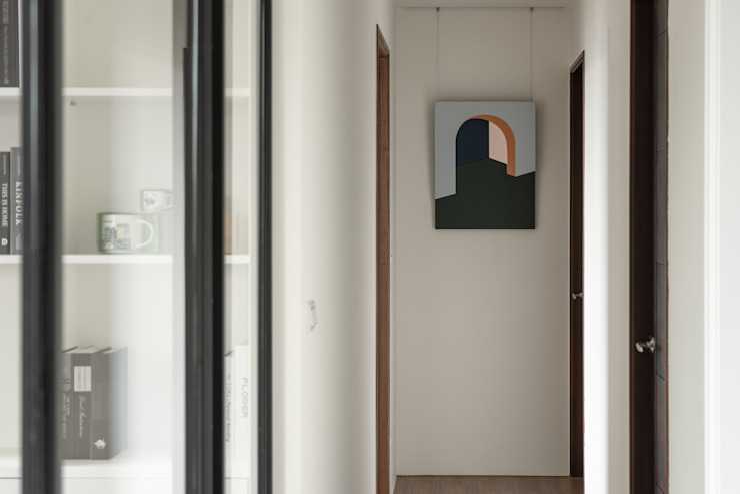 Dr. Wang案 | 走廊 有隅空間規劃所 industrial style corridor, hallway & stairs Glass White