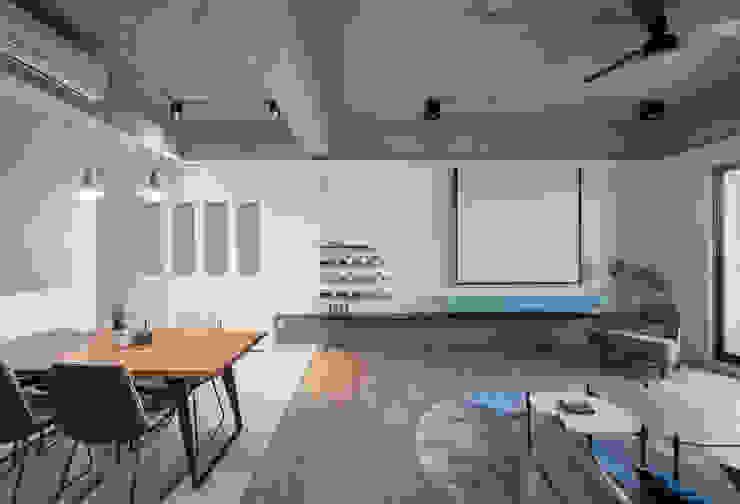 Dr. Wang案 | 電視牆 有隅空間規劃所 Walls Concrete Grey